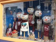 Store Window Displays, Christmas Window Display Retail, Christmas Displays, Retail Displays, Clothing Displays, Christmas Decorations, Holiday Decor, Paper Lanterns, Visual Merchandising