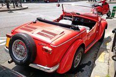 Pour ce dimanche sur #BonjourLaVieille, une pas courante #Siata 850 #Spring Antique Cars, Antiques, Spring, Vehicles, Old Cars, Vintage Cars, Collector Cars, Tractor, Sunday