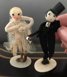 Vintage-1930s-Pipe-Cleaner-Bride-Groom-Wedding-Cake-Topper-WHIMSICAL