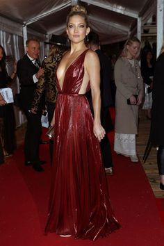 Fab Five: Must-See Looks From The Glamour Awards | The Zoe Report I Kate Hudson in J. Mendel