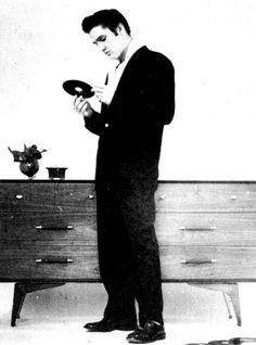 Elvis Hungerford shoot December 1956 (500)
