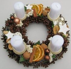 Most current Images christmas Advent Wreath Style Many churches variety a strong Advent-wreath-making event with the earliest Thursday in the season. Christmas Advent Wreath, Christmas Candle Decorations, Advent Candles, Xmas Wreaths, Noel Christmas, Rustic Christmas, Christmas Projects, Christmas Shirts, Diy Wreath