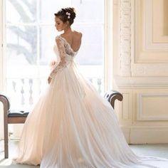 wedding dress is sooo beautiful *-*