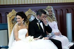 Thomas og Yvonne ble viet i Hemsedal kirke.   bryllupsfotograf#bryllup#brud#brudekjole#brudepar#bryllupsbilder#brudgom#fotograf#bryllupseventyr#sveinbrimi#bryllupsplanlegging#bryllupsbilde#bryllupsinsirasjon#nordiskebryllup#hemsedal Mermaid Wedding, Wedding Dresses, Instagram, Fashion, Bride Dresses, Moda, Bridal Gowns, Fashion Styles, Weeding Dresses