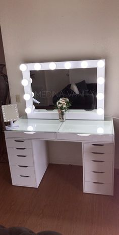 Hollywood Dream Vanity Mirror – Medina Vanity - Make-Up Teen Room Designs, Girl Bedroom Designs, Room Ideas Bedroom, Bedroom Decor, Master Bedroom, Bed Room, Master Suite, Bedroom 2018, Bedroom Small