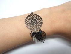 Bracelet attrape-rêves noir argenté rosace feuilles plume perles