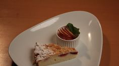 Švestkový koláč sdrobenkou a švestkovým sorbetem
