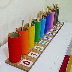 Count from 0 to 9 with colored boxes. Counting Sticks (spindle box inspired) – Easy Pin – The best ideas Preschool Learning Activities, Preschool Classroom, Infant Activities, Kindergarten Math, Preschool Activities, Feelings Preschool, Cognitive Activities, Educational Activities, Numbers Preschool