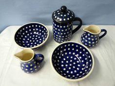 Keramik blau weiss 2 Schalen 1 Krug mit Deckel 2 Kännchen Teeservice ? Partyset
