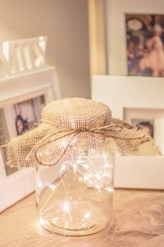 Eye-Catching Christmas Fairy Lights Decor Ideas for Magical Moments in Your Home Mason Jar Fairy Lights, Mason Jar Lighting, Jar Lights, Mason Jar Diy, Fairy Light Jar, Fairy Light Decor, Wedding Mason Jars, Christmas Lights In Bedroom, Christmas Fairy Lights