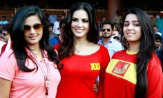 Charmi Kaur with Sunny Leone Pictures at CCL4 Kerala Strikers vs Telugu Warriors CCL4 http://charmikaur1.blogspot.com/2014/08/charmi-kaur-with-sunny-leone-at-ccl4.html