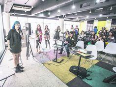 Un grupo de mujeres tapatías se ha dado a la tarea de compartir sus historias de crecimiento con base en el desarrollo tecnológico