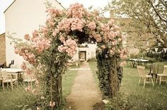 A rustic and friendly wedding venue surrounded by rolling countryside - a visit to Huntstile Organic Farm in Somerset - The Natural Wedding Company Romantic Roses, Beautiful Roses, Beautiful Gardens, Wedding Arbor Rustic, Rustic Arbor, Jardin Decor, Rose Arbor, Vintage Rosen, Floral Arch