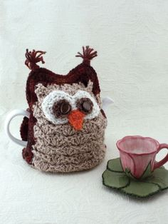 Whoo Wants Tea? Tea Cozy | Yarn | Free Knitting Patterns | Crochet Patterns | Yarnspirations