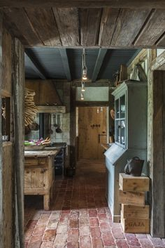 Stefano Scatà Food Lifestyle and Interiors photographer - Traditional Rumanian house in Breaza Like the brick floor!