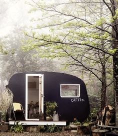 Vintage trailer camping in the woods--I love these little canned ham trailers. Vintage Caravans, Vintage Travel Trailers, Vintage Campers, Glamping, Glam Camping, Mini Loft, House On Wheels, Tiny House, Rest House