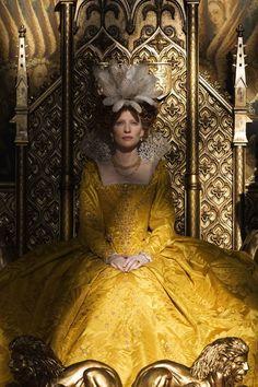 Cate Blanchett in Elizabeth: The Golden Age (2007), wearing an Elizabethan yellow dress, ruff and undergarments by Alexandra Byrne.