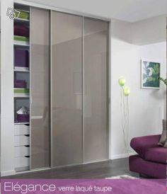 l 39 art du rangement placard avec 2 portes coulissantes miroir 2 portes coulissantes verre. Black Bedroom Furniture Sets. Home Design Ideas