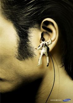 Samsung MP3 Player: Elvis headphones. I MUST HAVE THESE!