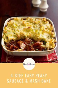 This sausage and mash bake is the ultimate family dinner - kids and adults alike will love it. Ready in just 4 steps with 20 minutes prep this family dinner doesn't take long and tastes delicious! Baked Dinner Recipes, Roast Recipes, Sausage Recipes, Steak Recipes, Potato Recipes, Sausage Meals, Chicken Recipes, Kid Recipes, Carrot Recipes