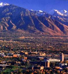 The University of Utah is located in the beautiful Salt Lake City valley with a beautiful view of the Wasatch Mountains. Don't you wish you were in Utah too!