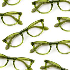 Spannend als Sonnenbrillenfassung? The Pantone Color of the Year is greenery and we've got just the style for it! Featured: SEE 9648 Coral Pantone, Pantone 2017 Colour, Green Glasses Frames, Blue Photography, Product Photography, Pantone Greenery, Art Blue, Color Of The Year 2017, Hairstyles With Glasses