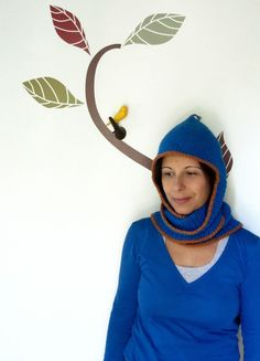 Basset hound, crochet longearflap cowl hat, hooded scarf in blue and paprika.