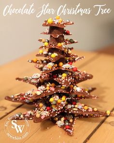 Chocolate Star Christmas Tree - Easy edible decorations for Children. My Chocolate Star Christmas Tree is a very easy, cute and fun way to get creative with children this Christmas. Build up the stars and get decorating. Chocolate Stars, Christmas Chocolate, White Chocolate, Chocolate Garnishes, Tree Felling, Star Template, Xmas, Christmas Tree, Child And Child