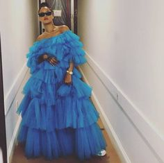 How about wearing an amazing tulle dress to start 2018 in a very fashionable way?! Here's a stunning Rihanna in a tulle ballgown by Giambattista Valli. #MyTulleFabric #Tulle #Fabrics #Rihanna #Riri #Fashion #GiambattistaValli #Amazing #Stunning #Couture #TulleDress