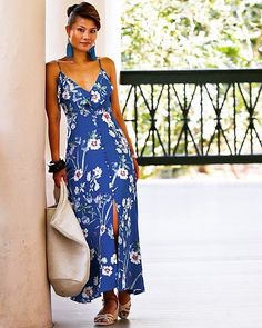 "We're only few weeks away till the end of summer and I will not allow myself to feel blue about it, however, I can wear blue and look stylish and feel, ""not so blue""! End Of Summer, Cute Woman, Blues, Zara, Summer Dresses, Stylish, Floral, Womens Fashion, How To Wear"