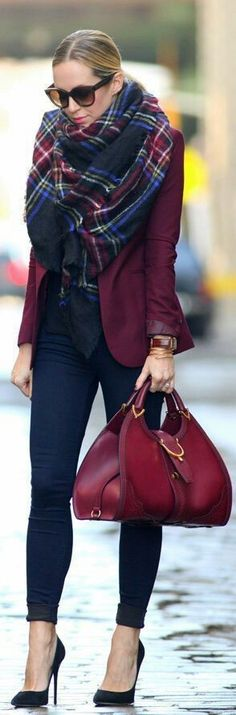 Fashionista: Black shoe+jean+blazer outfit