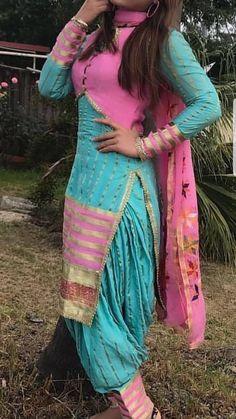 Salwar Neck Designs, Kurta Designs, Designer Punjabi Suits, Indian Designer Wear, New Style Suits, Punjabi Suits Party Wear, Patiala Salwar Suits, Kurti Sleeves Design, Embroidery Suits Design