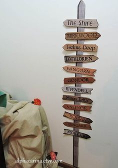 """Use this Lord of the Rings / Middle Earth printable """"wooden"""" arrows signpost for your Hobbit party Harry Potter Star Wars, Lord Of Rings, Hobbit Party, Hobbit Wedding, Wooden Arrows, Arrow Signs, Party Rings, Lotr, The Hobbit"""