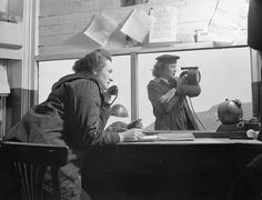 Signallers Marian Wingate and Margaret Little of the Women's Royal Canadian Naval Service at work, St. Military Women, Military Army, Marine Royale, Royal Canadian Navy, Brave Women, Canadian History, Newfoundland And Labrador, Who Runs The World, History Memes