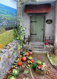 Building Miniature dreams - an little Irish country cottage with pumpkins in the garden!