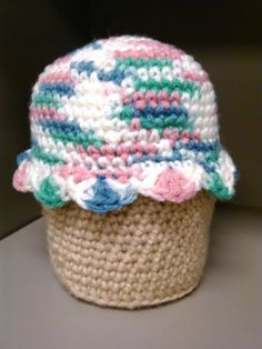 Crochet cupcake container