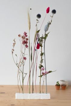 Diy Clay, Clay Crafts, Diy Flowers, Flower Decorations, Flower Vases, Diy Crafts Hacks, Diy And Crafts, Diy Fleur, Dried Flower Arrangements