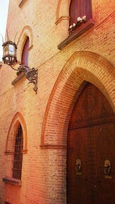 Particolare palazzo storico Via Maldenti