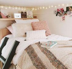 Teen Bedroom Ideas - Fairy lights - the easiest way to create a cute dorm!