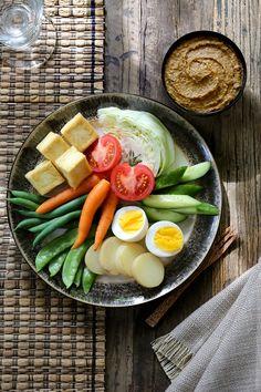 Gado Gado with Peanut Sauce recipe. #Bali #FoodPhotography