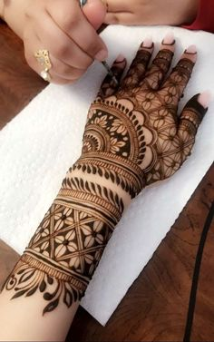 Henna Hand Designs, Mehndi Designs Finger, Modern Mehndi Designs, Mehndi Designs For Fingers, Wedding Mehndi Designs, Mehndi Design Pictures, Beautiful Henna Designs, Beautiful Mehndi, Mehndi Images