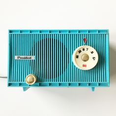What These Old Things Online Vintage Shop Retro Clock, Blue Dream, Vintage Home Decor, Vintage Shops, Color Pop, Presidents, Old Things, Vintage Fashion, Turquoise