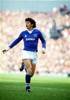 circa Terry Curran, Everton Get premium, high resolution news photos at Getty Images Football Program, Football Cards, Football Players, Everton Fc, Retro Football, Soccer, Club, Sports, England