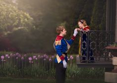 Thirteen-year-old Anthony of Hamilton, Ohio, surprised his 5-year-old little sister with the Snow White-themed photo shoot of her dreams.