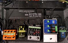 adrian utley s portishead pedalboard the pedal board guitar effects pedals pedalboard. Black Bedroom Furniture Sets. Home Design Ideas