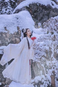Chinese Traditional Costume, Traditional Fashion, Traditional Dresses, Opera Dress, China Girl, Chinese Clothing, Foto Pose, Girl Photo Poses, Chinese Culture