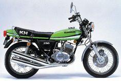 KH 250, 1979 Motor Kawasaki, Kawasaki 500, Kawasaki Motorcycles, Triumph Motorcycles, Cool Motorcycles, Vintage Motorcycles, Ducati, Yamaha, Motocross