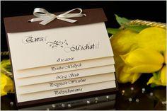 Zaproszenia ślubne z zakładkami projektowane w sposób indywidualny.