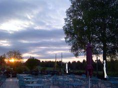 Sonnenaufgang auf der Seeterrasse, Parkhotel am Soier See, Bad Bayersoien, Ammergauer Alpen, Bayern ** Sunrise on the lake terrace, Parkhotel, Bavaria