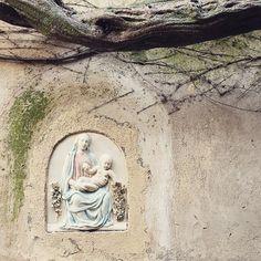 Virgin and Child  (street shrine, Atrani, Amalfi)